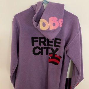 9173bfc136e3f FREE CITY